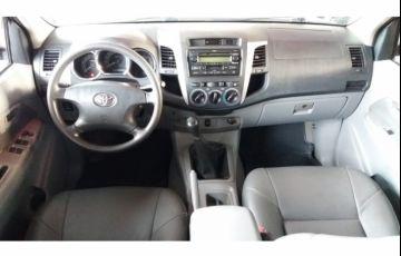 Toyota Hilux SRV 4x2 3.0 (cab. dupla) - Foto #2