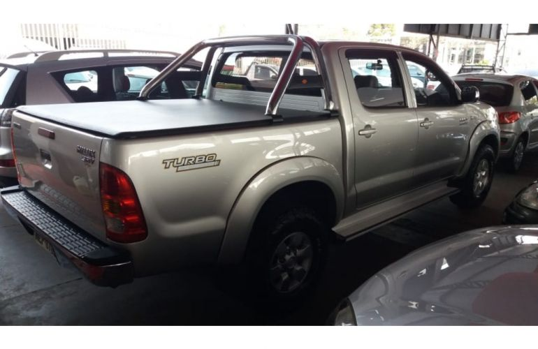 Toyota Hilux SRV 4x2 3.0 (cab. dupla) - Foto #3