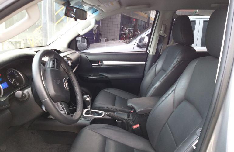Toyota Hilux 2.8 TDI SR CD 4x4 (Aut) - Foto #1