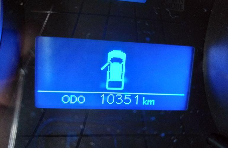 Toyota Hilux 2.8 TDI SR CD 4x4 (Aut) - Foto #3