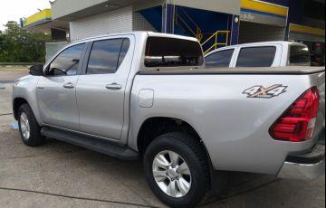 Toyota Hilux 2.8 TDI SR CD 4x4 (Aut) - Foto #5