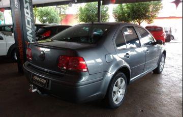Volkswagen Bora 2.0 MI - Foto #5
