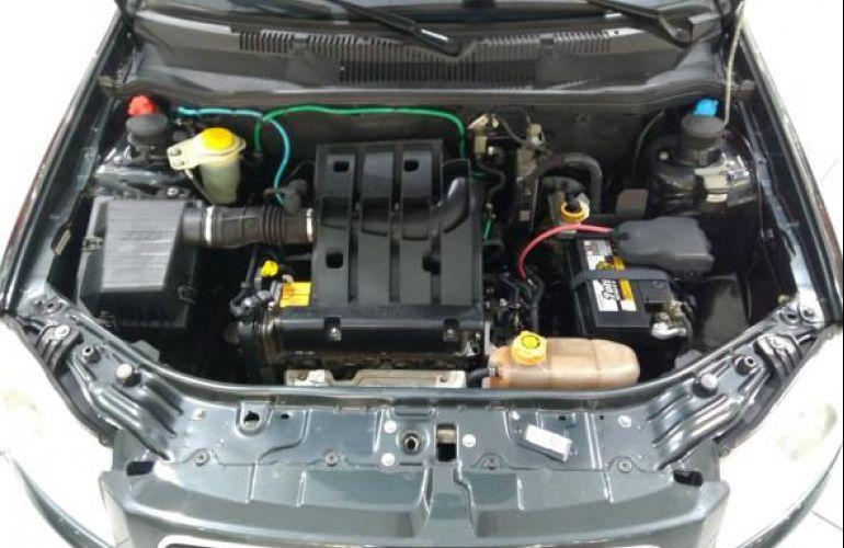 Fiat El 1.0 MPi Fire Flex 8V 4p - Foto #9