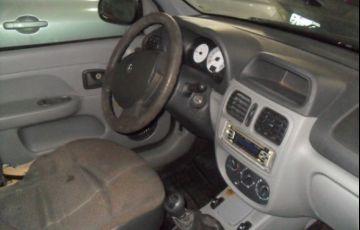 Renault Clio Sedan Authentique 1.0 16V Hi-Flex - Foto #5