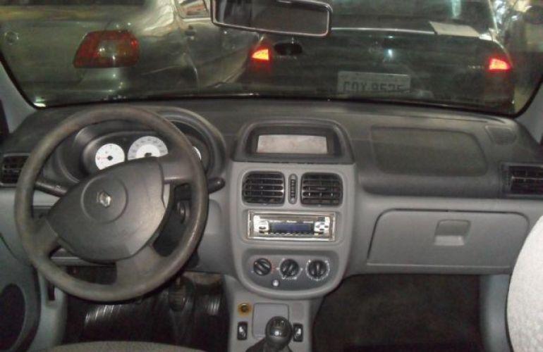 Renault Clio Sedan Authentique 1.0 16V Hi-Flex - Foto #6