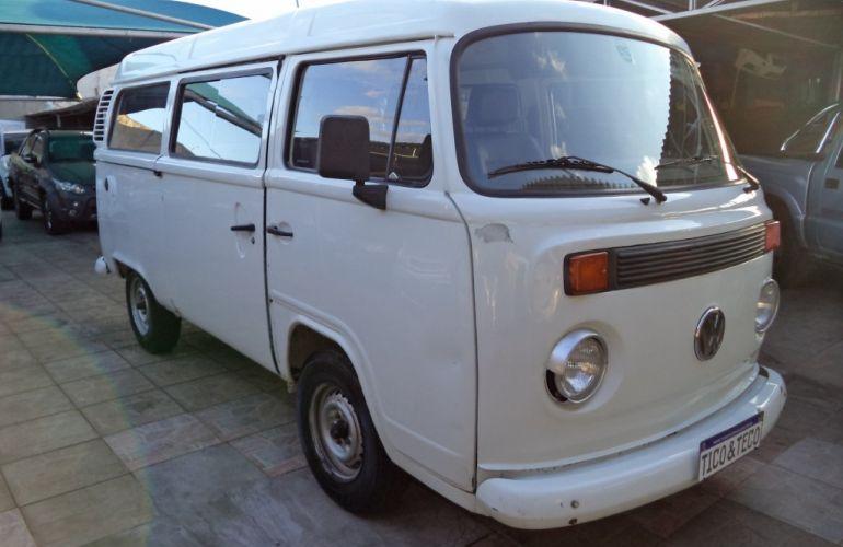 Volkswagen Kombi Standard - Foto #1