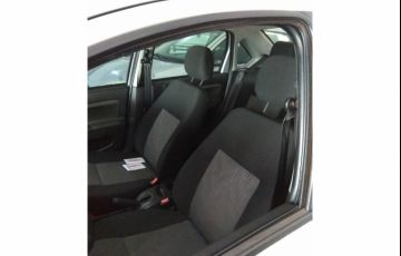 Ford Fiesta Sedan 1.6 (Flex) - Foto #2