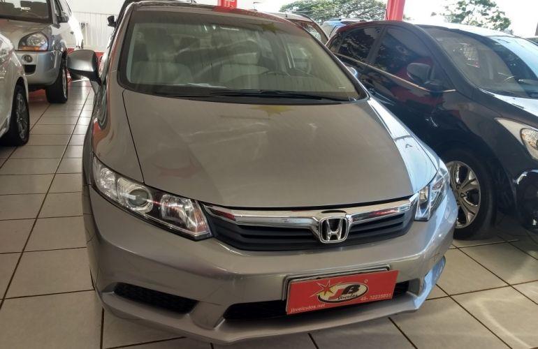 Honda Civic LXS 1.8 i-VTEC (Flex) - Foto #3