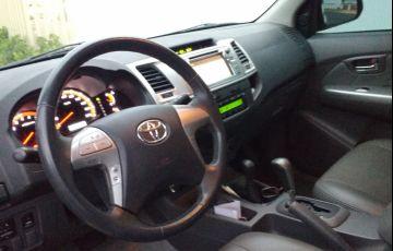 Toyota Hilux 2.7 Flex 4x4 CD SRV (Aut) - Foto #2