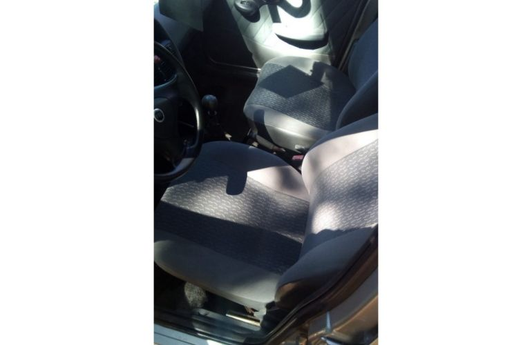 Fiat Palio Young 1.0 8V Fire 4p - Foto #2