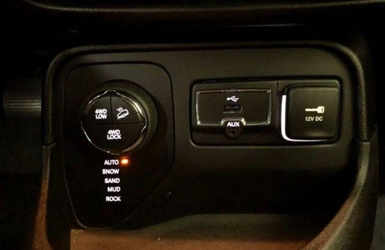 Jeep Renegade Trailhawk 2.0 Turbo 4x4 - Foto #6