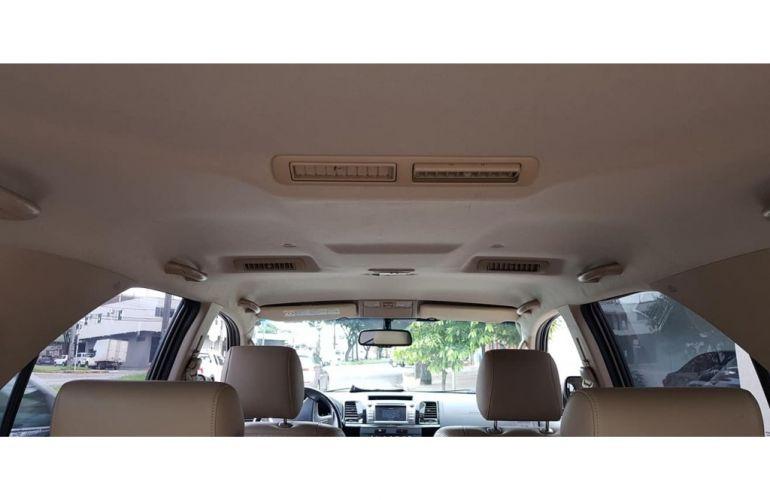 Toyota Hilux SW4 SRV 3.0 4X4 (7 Lugares) - Foto #6
