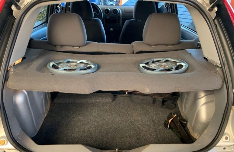 Ford Fiesta Hatch Personnalité 1.0 8V - Foto #9