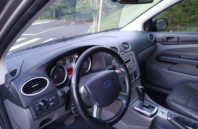 Ford Focus Hatch GLX 2.0 16V (Aut) - Foto #7