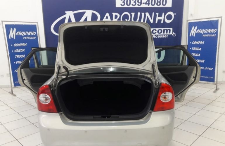 Ford Focus Sedan GLX 2.0 16V (Flex) - Foto #8
