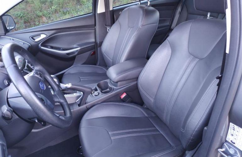 Ford Focus Sedan Titanium Plus 2.0 16V PowerShift (Aut) - Foto #10
