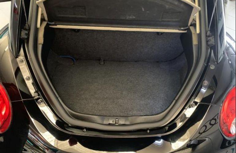 Volkswagen New Beetle 2.0 - Foto #10