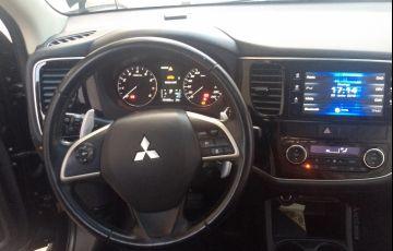 Mitsubishi Outlander GT 4WD 3.0 V6 (Aut) - Foto #10