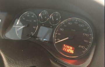 Peugeot 307 Hatch. Feline 2.0 16V - Foto #3