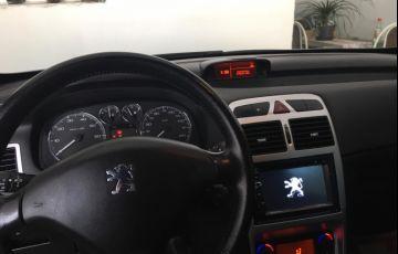 Peugeot 307 Hatch. Feline 2.0 16V - Foto #5