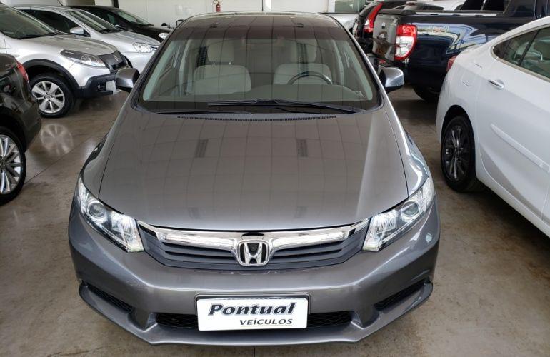 Honda Civic LXS 1.8 i-VTEC (Flex) - Foto #1