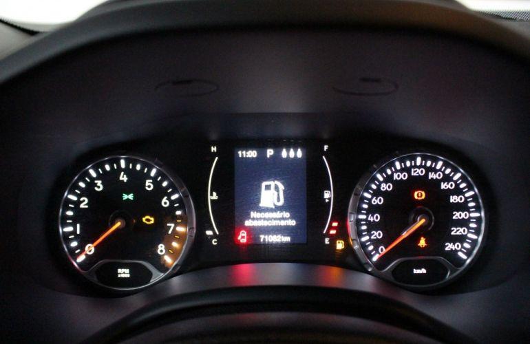 Jeep Renegade Longitude 1.8 (Aut) (Flex) - Foto #8