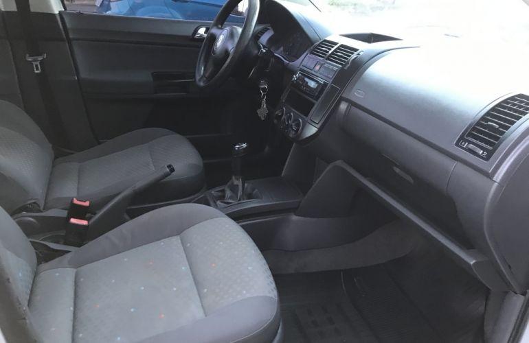 Volkswagen Polo Sedan 1.6 8V - Foto #9