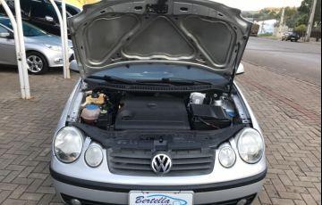 Volkswagen Polo Sedan 1.6 8V - Foto #10