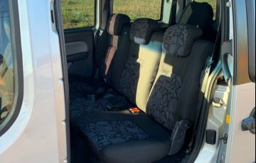 Fiat Doblò Essence 1.8 16V (Flex) - Foto #10