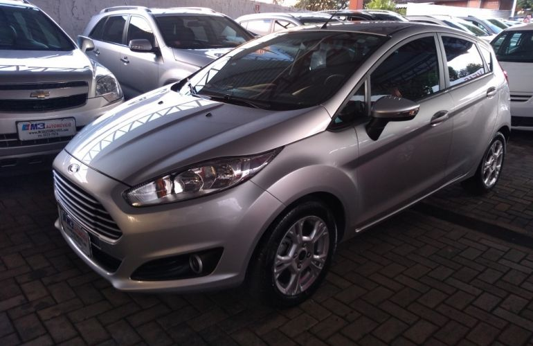 Ford New Fiesta SE 1.6 16V Powershift - Foto #1