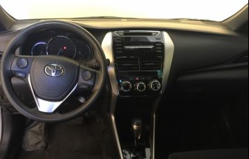 Toyota Yaris 1.3 XL (Flex) - Foto #5