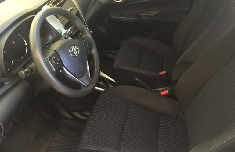 Toyota Yaris 1.3 XL (Flex) - Foto #7