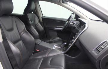 Volvo XC60 2.0 T5 Drive-E Dynamic - Foto #5