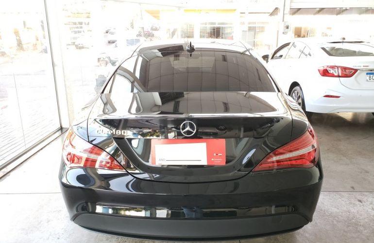 Mercedes-Benz CLA 180 - Foto #4