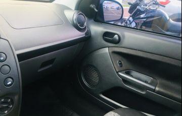 Ford Fiesta Sedan 1.0 Rocam (Flex) - Foto #7