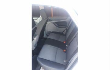 Ford Focus Hatch 2l Hc 2.0 16v - Foto #4