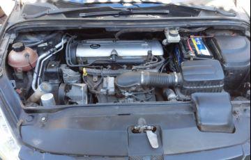 Peugeot 307 Hatch. Feline 2.0 16V - Foto #2