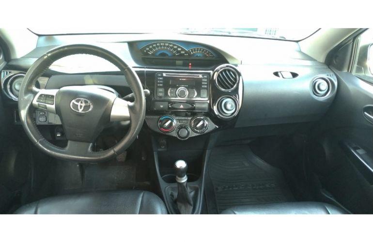 Toyota Etios Cross 1.5 (Flex) - Foto #6