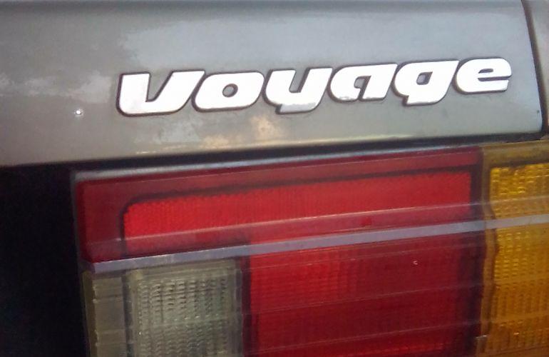 Volkswagen Voyage LS 1.6 - Foto #4