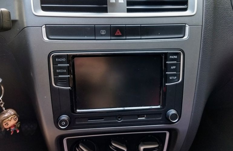 Volkswagen Fox 1.6 MSI Connect (Flex) - Foto #5