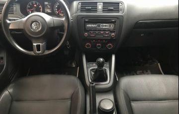 Volkswagen Jetta Comfortline 2.0 Flex - Foto #6