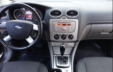 Ford Focus Sedan GLX 2.0 16V (Flex) (Aut) - Foto #6