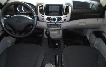 Mitsubishi L200 GLX Triton 4X4 Cabine Dupla 3.2 Turbo Intercooler 16V - Foto #4