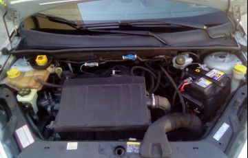 Ford Fiesta Sedan SE 1.6 Rocam (Flex) - Foto #8