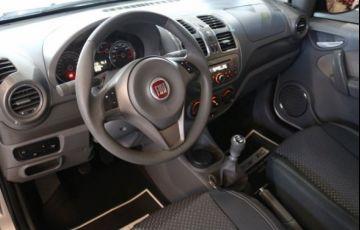Fiat Grand Siena Essence 1.6 16V (Flex) - Foto #2