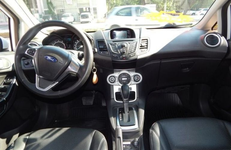 Ford New Fiesta SE PowerShift 1.6 - Foto #3