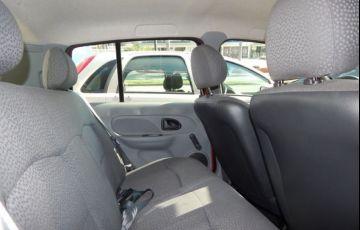 Renault Clio Campus 1.0 16V Hi-Flex - Foto #4
