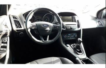Ford Focus Hatch SE 1.6 16V TiVCT - Foto #5