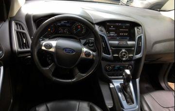 Ford Focus Fastback Titanium 2.0 PowerShift - Foto #4