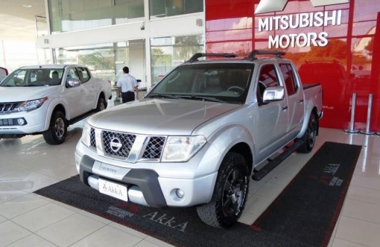 Nissan Frontier LE 4X4 Cabine Dupla 2.5 Turbo Eletronic - Foto #1